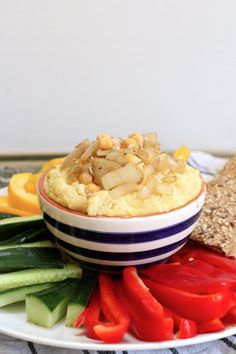 A delicious and tasty healthy caramelised onion hummus recipe. Perfect all year round and so simple to make! Vegan, dairy free and allergy friendly