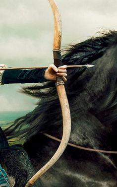 tiro al arco desde un caballo al galope