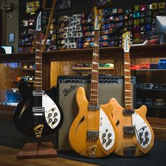 Rickenbacker has been making electric guitars and musical instruments since Founded in Los Angeles, Rickenbacker pioneered in the development of modern Rickenbacker Guitar, The Sonic, Guitar Pedals, Music Guitar, Vintage Music, Vintage Guitars, Electric Guitars, Paul Mccartney, Musical Instruments