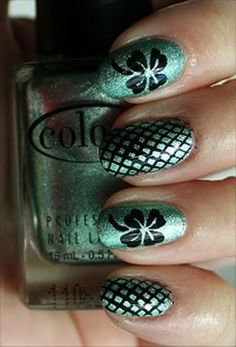 DIY St. Patrick's Day Nail Design, Shamrock nail art tutorial, St. Patricks' Day Shamrock ideas, St. Patricks' Day makeup ideas  #nails #art #DIY  www.loveitsomuch.com