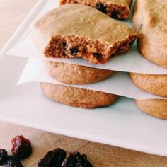 Cinnamon Raisin protein bars (almond flour & butter, vanilla protein pwdr, honey, coc. oil, etc...)
