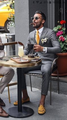 4 men's fashion trends for 2019 - Kleidung und Stil - Men's Shoes Herren Style, Mens Fashion Suits, Fashion For Men, Fashion Trends, Fashion Ideas, Fashion Pants, Suit And Tie, Well Dressed Men, Gentleman Style