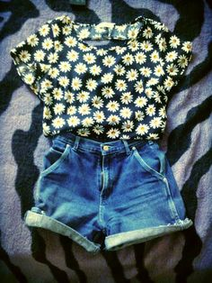 @sugeyli mendoza mendoza mendoza mendoza Perez  Should I wear this to the mall?