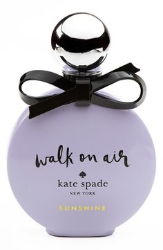 Energetic notes of juicy clementine, sparkling linden blossom and uplifting Sicilian bergamot craft this vibrant and youthful Kate Spade scent.