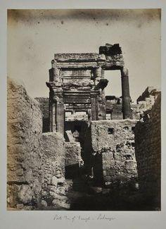 LOUIS VIGNES (1831-1896) Porte du gd temple - Palmyre Ruines de Palmyre - Paysages du Liban (près de Beyrouth).1864. 28 clichés (épreuves albuminées) montés sur carton (en moyenne 18,5 x 24,5 cm) ; recto seul réunis en 1 album in-4 oblong relié plein chagrin maroquiné brun, tranches dorées. HIRET & NUGUES 25 janvier 2014