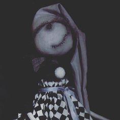 Что творится у неё в голове?! (Если что, это я про куклу😀😀😀) Девочка едет в Москву на грандтекстиль, пугать москвичей😀😀😀 #страшно #страшныекуклы #страшилки #текстильнаякукла #кукларучнойработы #хендмейд #зомби #куклазомби #жуть #gothicdoll #scarydoll #artdoll #mysolutionforlife #мастеркрафт #clothdoll #handmadedoll #instahandmade #instacrafts