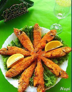 Δεν υπάρχουν πιο τραγανά ψαράκια!!! Υλικά κουτσομούρες ή μπαρμπούνια αλάτι σιμιγδάλι ψιλό λάδι για το τηγάνισμα Εκτέλεση Κα... Carrots, Seafood, Vegetables, Blog, Greek Beauty, Rezepte, Sea Food, Veggie Food, Vegetable Recipes