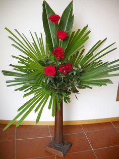 Tropical Flower Arrangements, Creative Flower Arrangements, Church Flower Arrangements, Beautiful Flower Arrangements, Unique Flowers, Tropical Flowers, Beautiful Flowers, Altar Flowers, Church Flowers