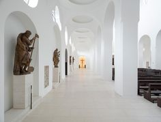 British designer John Pawson's remodel of 'St Moritz Church' in Augsburg, Germany, is a meticulous yet pared-back example of minimalism in public architecture. Sacred Architecture, British Architecture, Public Architecture, Religious Architecture, Interior Architecture, Interior Design, John Pawson, Monuments, Saint Moritz