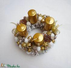 Kis arany adventi koszorú (Decoflor) - Meska.hu Advent Candles, Xmas Decorations, Napkin Rings, Ornaments, Diy, Home Decor, Decoration Home, Bricolage, Room Decor