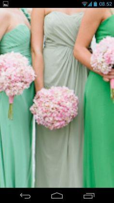 Kjolen midten. Eucalyptus/støvete lys grønn farge