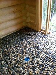 Pebble floor in log sauna Spa Shower, Spa Tub, Shower Floor, Diy Sauna, Sauna House, Sauna Room, Workout Room Home, Workout Rooms, Building A Sauna
