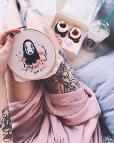 。제 눈에 안경이다 anime and tea keep me alive catlady ༝ danny ༝ graphic designer 。nekomatammy@gmail.com 。nekomatahiime 。nekomatayama.com