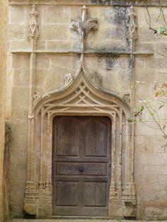 Porte ancienne abbaye de Cadouin Périgord