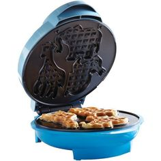 brentwood Brentwood Animal Shape Waffle Maker at Lowe's. The powerful 750 watt Brentwood Non-Stick Animal Shape Waffle Maker Machine bakes 3 perfect mini animal waffles in just minutes. Waffle Bowl Maker, Best Waffle Maker, Belgian Waffle Maker, Belgian Waffles, Tortilla Maker, Cake Pop Maker, Crepe Maker, Electric Foods, Thing 1