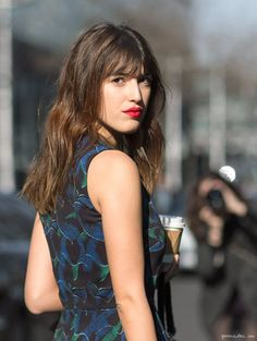 Achieving the French Cool Girl Style with Jeanne Damas – Glam Radar Jeanne Damas, French Girl Style, French Girls, Weave Hairstyles, Girl Hairstyles, French Hairstyles, French Beauty, Classic Beauty, Beauty Tutorials
