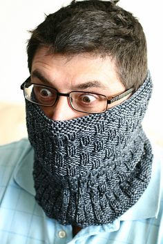 Ravelry: Atomic - Reversible Cowl pattern by asuka ozumi Mens Scarf Knitting Pattern, Mens Knitted Scarf, Knit Hat For Men, Knitted Hats, Crochet Shawl Diagram, Crochet Braid Pattern, Knit Crochet, Crochet Patterns, Cowl Patterns