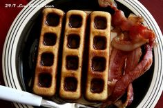 24/7+Low+Carb+Diner:+Sweet+Bacon+Waffle+Sticks
