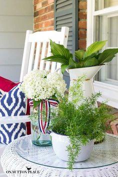 Patriotic Porch Decor Ideas | Memorial Day decor | 4th of July decor | Labor Day decor | Red, White and Blue porch ideas.