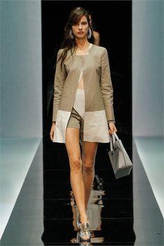 Sfilata Emporio Armani Milano - Collezioni Primavera Estate 2013 - Vogue