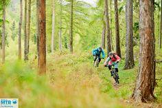 Jan und Franzi auf flowigen Trails im Harz