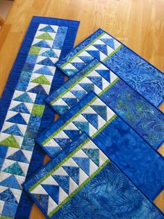 [Geese%2520Across%2520the%2520Table%2520set%2520in%2520blue%2520batiks%255B5%255D.jpg]