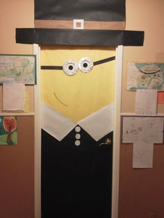 Dress up a Minion as a pilgrim for a cute November classroom door display. Preschool Bulletin Boards, Classroom Bulletin Boards, Classroom Door, Classroom Themes, Classroom Organization, Holiday Classrooms, School Door Decorations, Fall Decorations, Halloween Decorations