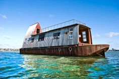 House on a boat.