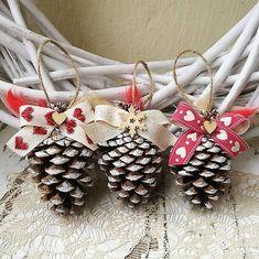 Christmas Wreaths, Xmas, Pine Cones, Diy Crafts, Holiday Decor, Home Decor, Decoration Home, Room Decor, Christmas