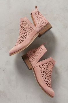 love these cut out booties