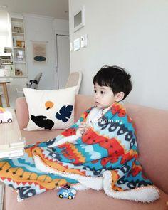 Cute Asian Babies, Korean Babies, Asian Kids, Cute Little Baby, Little Babies, Cute Baby Boy Photos, Cute Babies Photography, Cute Baby Wallpaper, Ulzzang Kids