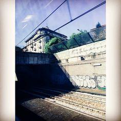 Milano dal treno #milan #milano #cadorna #trenord #viaggio #trip #milanodavedere #bellamilano #beautifulmilan by callmetheprincezzs