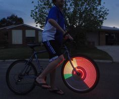 Simple POV wheel lights - man I would have loved these! Cute Crafts, Crafts To Do, Diy Crafts, Black Rock Desert, Arduino, Helpful Hints, Craft Projects, Lights, Activities