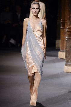 Vionnet Spring 2016 Ready-to-Wear Fashion Show - Vera Van Erp (Next)