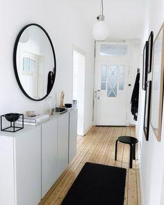 Flur im Scandi-Stil mit Ikea Ivar - Hints for Women Ikea Design, Flur Design, Interior Ikea, Interior Design, Ikea Hallway, Entryway, Billy Ikea, Home And Living, Living Spaces