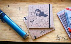 """Artículo Único  Sketchbook """"Wonder Woman"""" Formato: 15x15 cm 72 hojas  Papel bond ahuesado 90 gr  Pasta blanda papel kraft sena  #brooja #sketchbook #notebook #kraft #libreta #cuaderno #design #diseño #illustration #ilustración #sharpie #suupergirl"""
