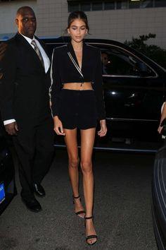Kaia Gerber 2018 : Kaia Gerber: Outside Revolve Social House Kaia Gerber, Kaia Jordan Gerber, Model Legs, Tall Women Fashion, Celebrity Style Casual, Mode Ootd, Model Street Style, Mini Vestidos, Skinny Girls