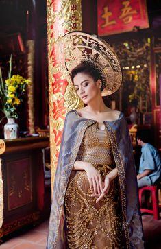 Mẫu Việt diện áo dài chụp cho Vogue Italia - 1