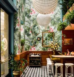 @leosoysterbar had me hankering for seafood, a trip to San Francisco & another wallpaper plunge. Since the wallpaper & San Fran aren't happening today I had to settle on a late sushi lunch instead. Image via @archdigest #goals