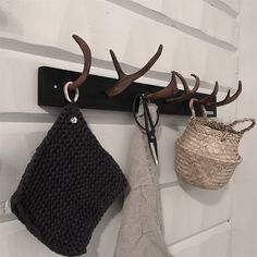 Deer Antler Crafts, Freedom House, Tiny House Cabin, Stylish Home Decor, Scandinavian Home, Horns, Reusable Tote Bags, House Styles, Diy