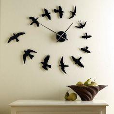 Fabulas Wall Clocks to embrace Your Home Entrance (26)