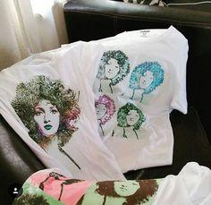Magliette realizzate da un fan per Marcella Bella, per il suo compleanno.