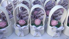 Wedding Table, Rustic Wedding, Diy Paper, Paper Crafts, Paper Flower Backdrop Wedding, Diy Friendship Bracelets Patterns, Wedding Giveaways, Diy Box, Decor Crafts