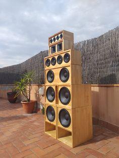 Kebra Wadada - Sound System - Barcelona, Catalunya. Subwoofer Box Design, Speaker Box Design, Pa Speakers, Audio, Diy Stuff, Reggae, Barcelona, Culture, Urban