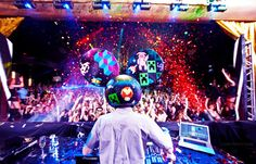 Deadmau5 In Action party club rave music