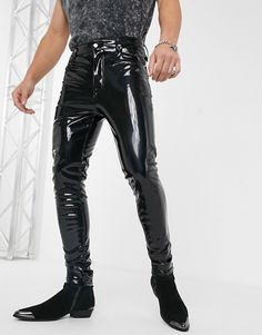 Shop ASOS DESIGN high waisted skinny jeans in black vinyl. With a variety of delivery, payment and return options available, shopping with ASOS is easy and secure. Shop with ASOS today. Mens Leather Pants, Tight Leather Pants, Leather Jacket Outfits, Pvc Trousers, Latex Pants, Latex Suit, Stretch Jeans, Pantalon Vinyl, Online Shop Kleidung