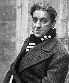 Alec Guinness. 1940s.