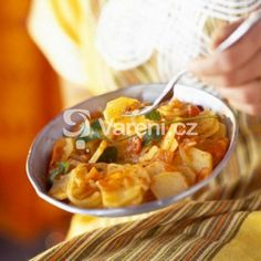 Photo: Moroccan potato salad recipe The Arabic Food Recipes kitchen (The Home of Delicious Arabic Food Recipes) invites . Lunch Recipes, New Recipes, Real Food Recipes, Salad Recipes, Vegetarian Recipes, Chicken Recipes, Favorite Recipes, Healthy Recipes, Easy Homemade Recipes