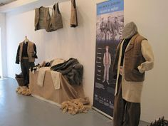 Mná le Chéile: Seanstíl Éadach Inis Oírr (Stitches in Time) Peasant Clothing, Irish Costumes, Irish Language, Long Arm Quilting Machine, Irish Traditions, Patchwork Designs, Folk Costume, Longarm Quilting, Traditional Outfits