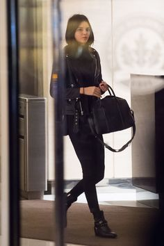 Here's+What+Kendall+Jenner,+Queen+of+All+Black,+Wears+When+Stepping+Out+with+a+Mystery+Man  - MarieClaire.com